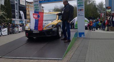 Prezident ÚAMK SR Juraj Smrečan pri štarte posádok